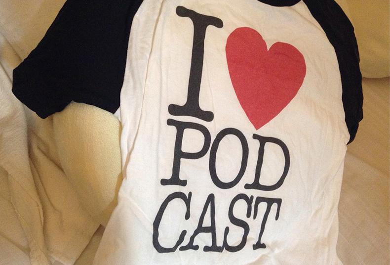 お気に入りの I LOVE PODCAST Tシャツ